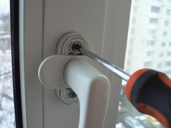 регулировка балконной двери ручки