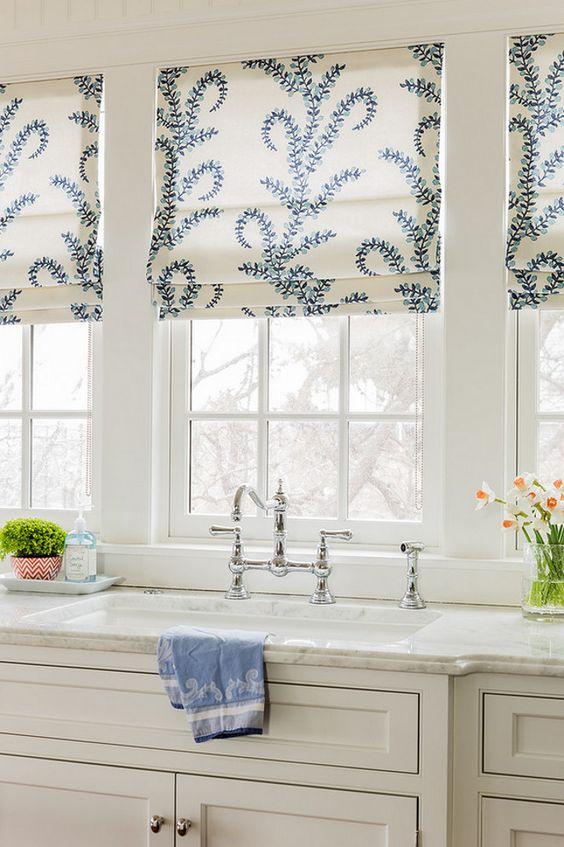 римские шторы на кухне 8