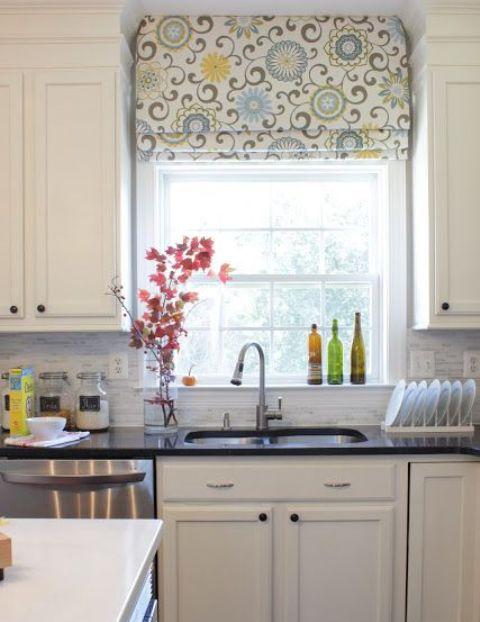 римские шторы на кухне 9